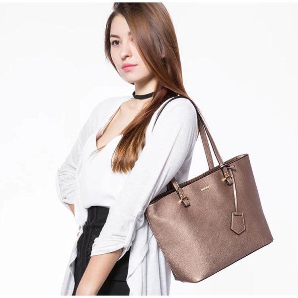Handbag girl